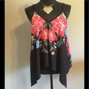 FLYING TOMATO FLIRTY TOP! Dress it or down! Small